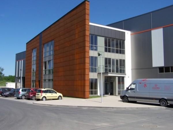 Budynek-hali-produkcyjnej-z-czci-biurow-2