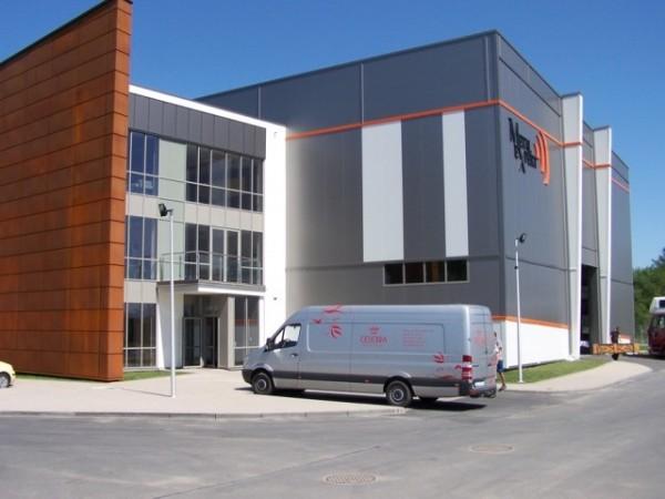 Budynek-hali-produkcyjnej-z-czci-biurow-3