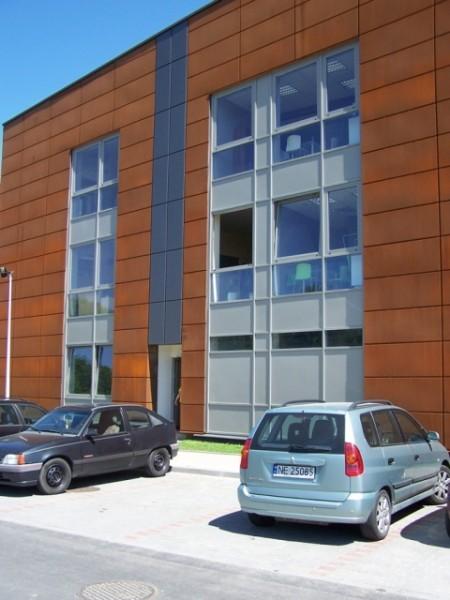 Budynek-hali-produkcyjnej-z-czci-biurow-4