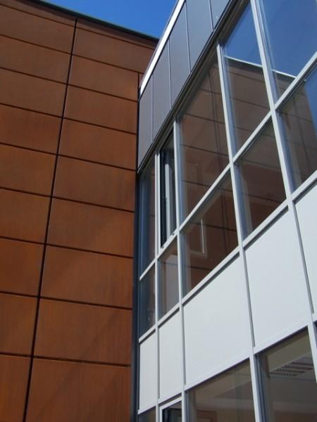 Budynek-hali-produkcyjnej-z-czci-biurow-9